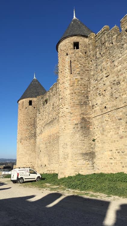Photo actualité Nettoyage après chantier d'un restaurant à la Cité de Carcassonne